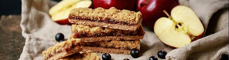 Apple & Blackcurrant Crumble Bar